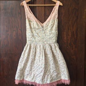Valentine's Day 💕 Free People Floral Dress